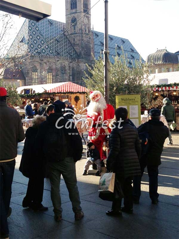 Bolzano Christmas market - CarniFest Online Photo © All Rights Reserved