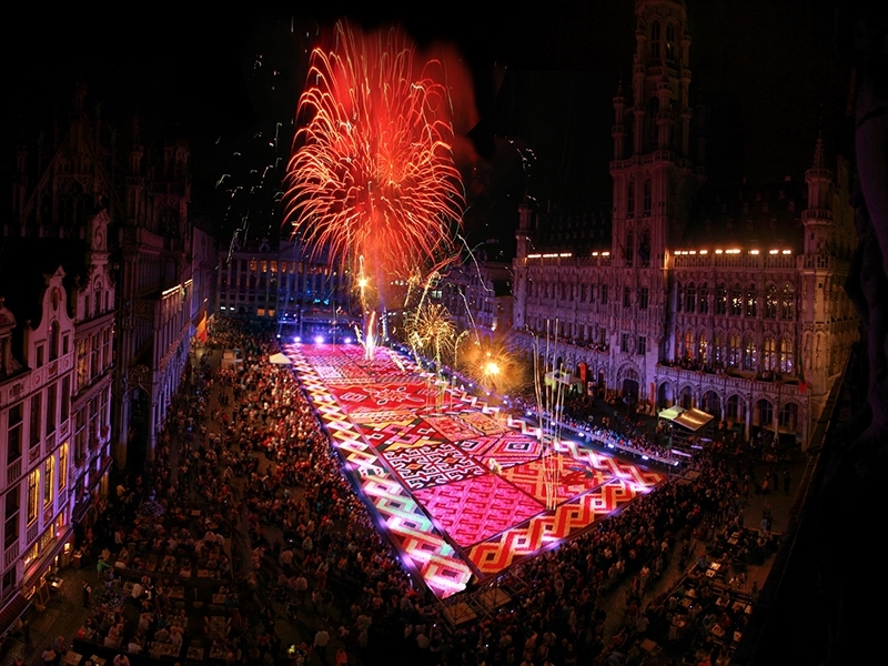 Brussels Grand Place Flower Carpet - Photo by: www.flowercarpet.be