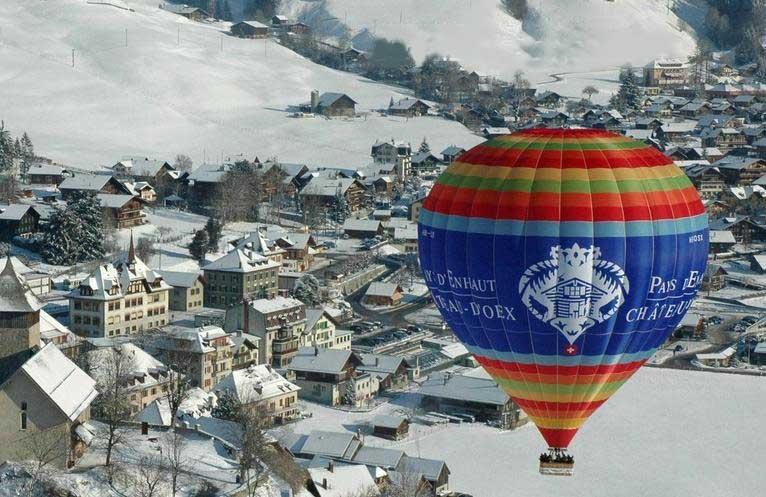 Photo by: www.festivaldeballons.ch