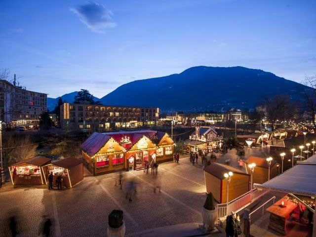 Christmas market in Merano/Meran - Courtesy of: www.suedtirol.info