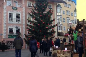 Ortisei Christmas market - CarniFest Online Photo © All Rights Reserved