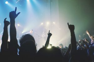 Rock concert crowd audience - Photo: via-pixabay.com