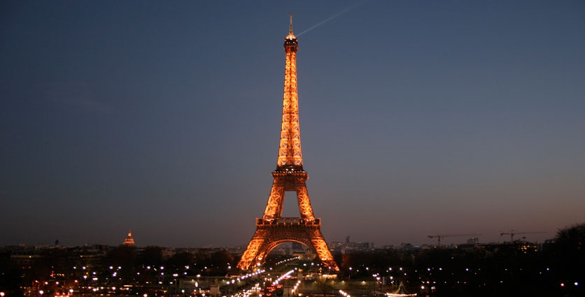 Eiffel tower by night - Photob by: cristinasz