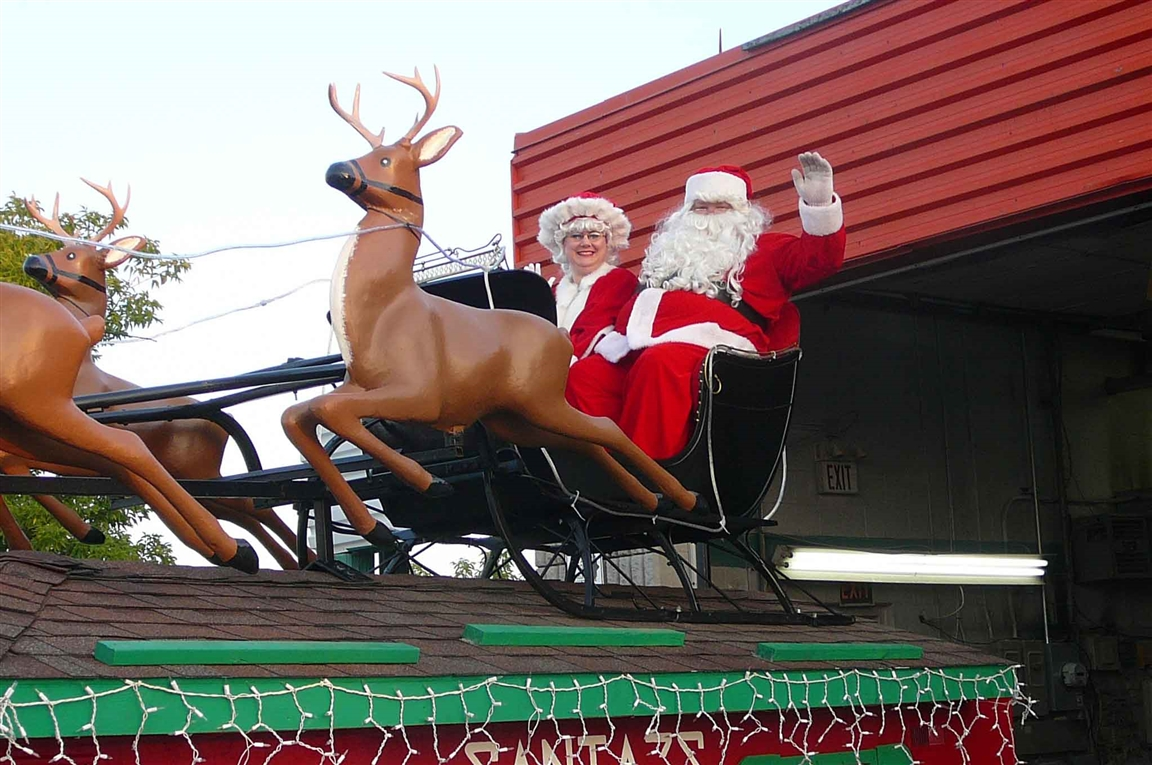 Hamilton Santa Claus Parade - Photo courtesy of Nicholas C. Scime