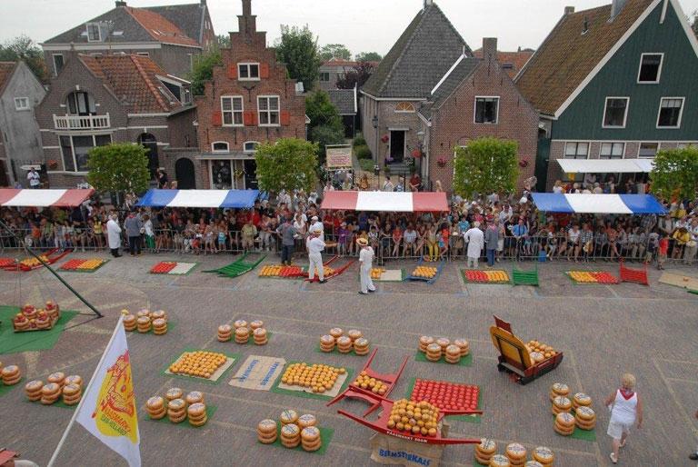 Kaas Markt Edam - Photo by: www.kaasmarktedam.nl