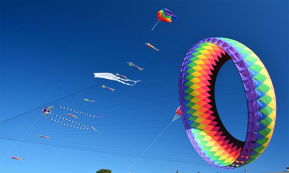 Kite Festival - Photo: Jondolar Schnurr [Via pixabay.com]