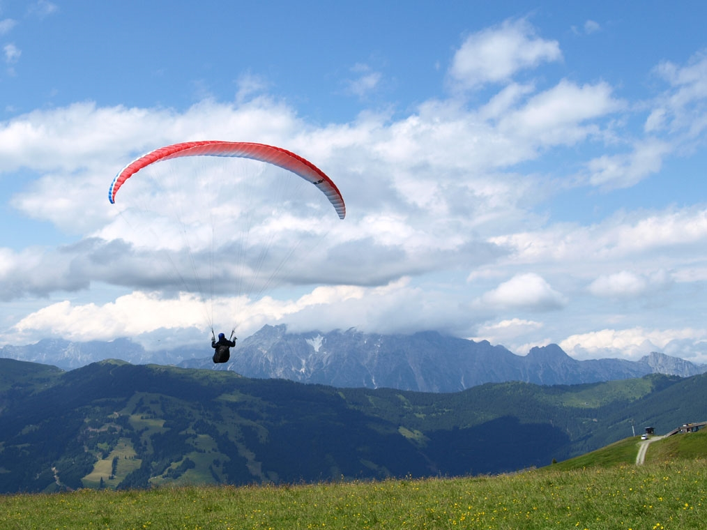 Paragliding - Photo by: Btklamf [Via morguefile.com]