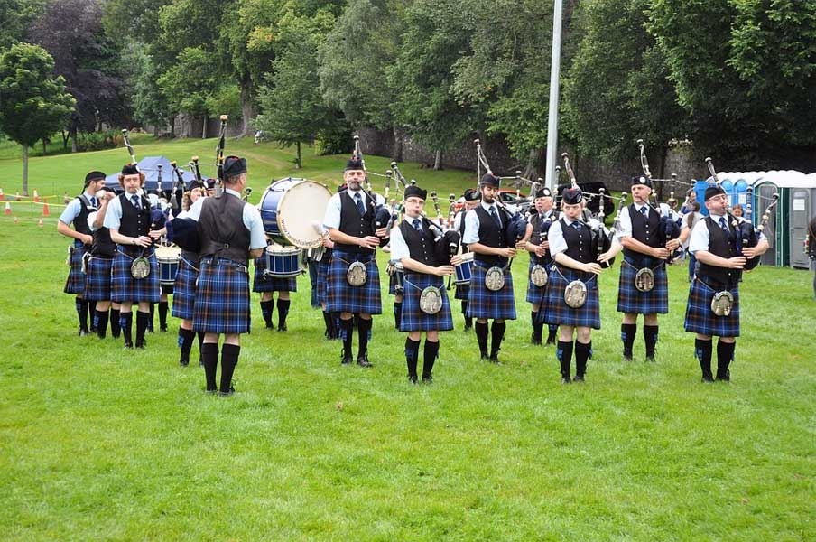 Piper Ribbon Music - UK, Scotland - Photo:Niki Vogt  [pixabay.com]