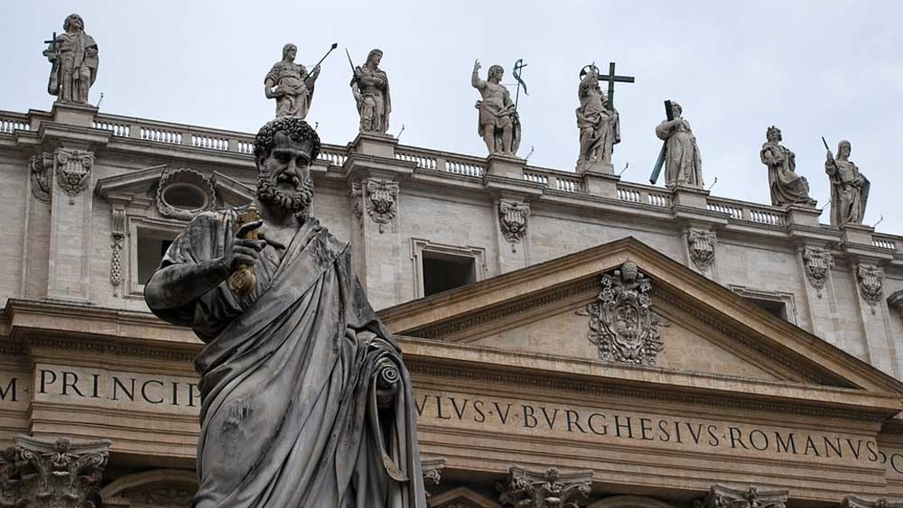 St Peters Papal Basilica, Roman Catholic Cathedral at Vatican in Rome - Photo: Cara Harris [Via-pixabay]