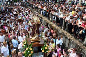 Romeria de Santa Marta de Ribarteme (Festival of Near Death Experiences) - Photo: www.asneves.com
