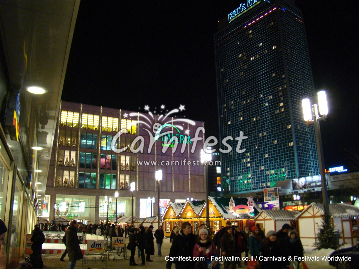Christmas shopping in Berlin - CarniFest Online Photo © All Rights Reserved