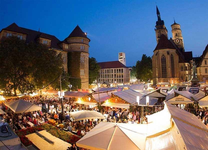 Stuttgarter Weindorf - Photo by: www.stuttgarter-weindorf.de