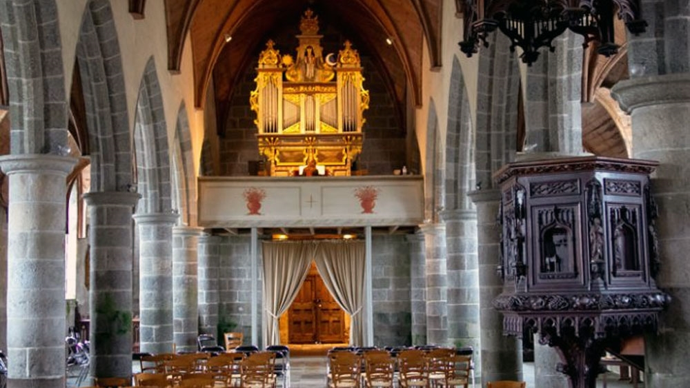 The historic organ of Lanvellec - By Robert Dallam (1653) - Photo: www.festival-lanvellec.fr
