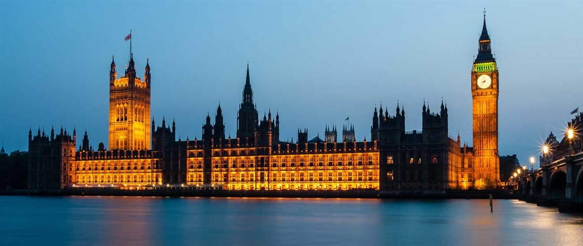 Houses of parliamen - Photo by: Luxstorm [via-pixabay.com]
