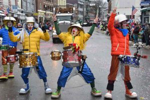 Photo: www.saranaclakewintercarnival.com