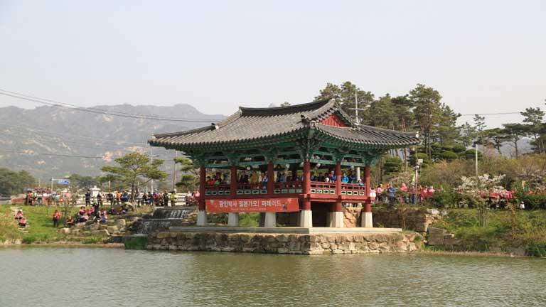 Photo: www.visitkorea.or.krintro.html